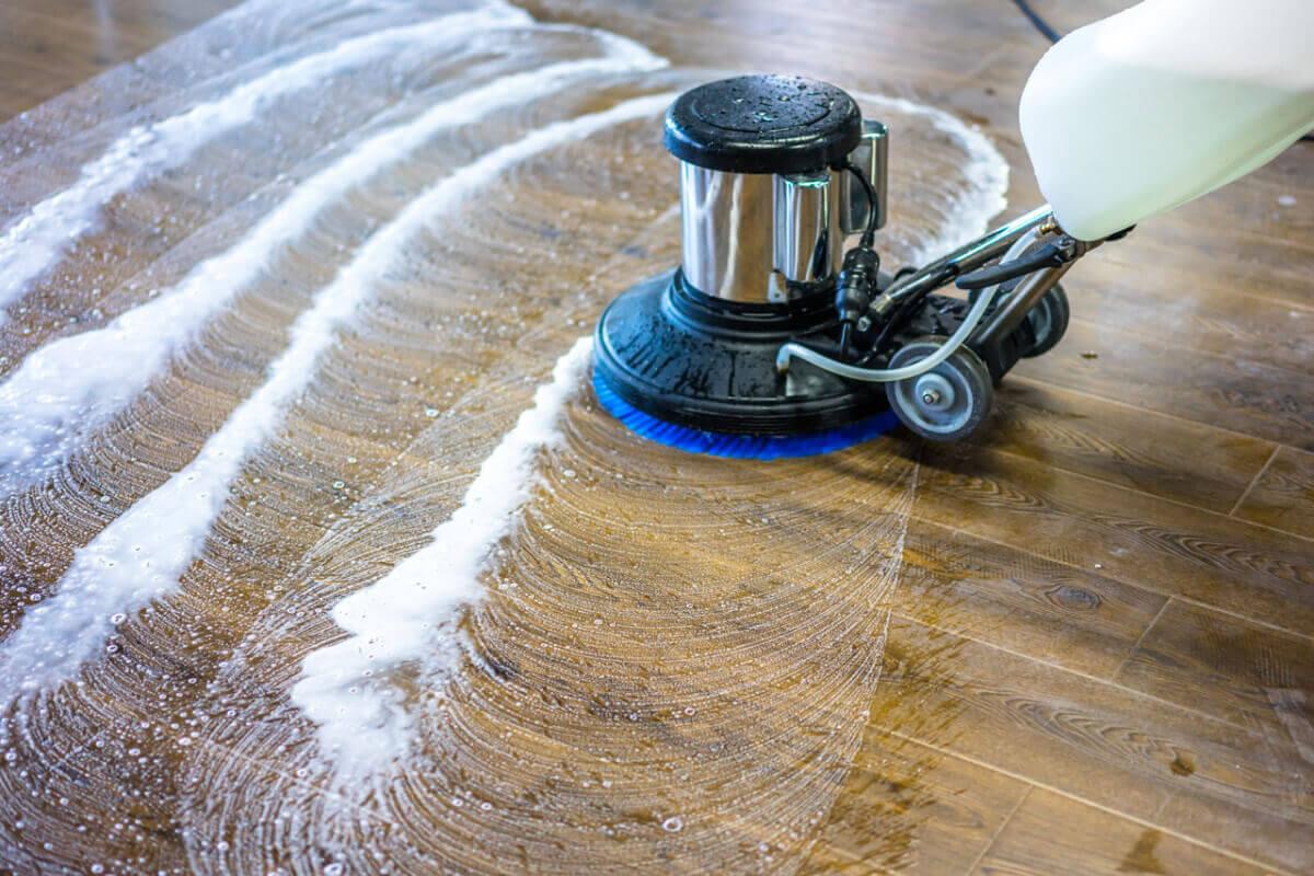 Mašinsko čišćenje tvrdih površina