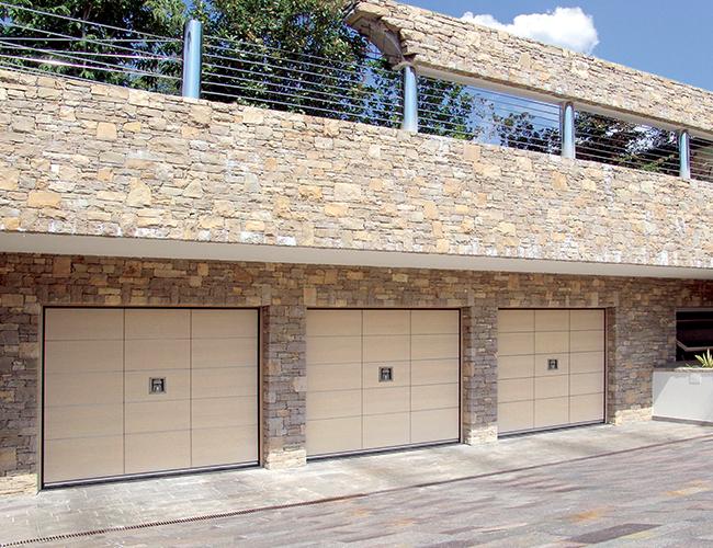 Garažna vrata Secur sa pešačkim vratima