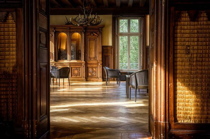 Različiti tipovi tvrdih podova različito se čiste i održavaju